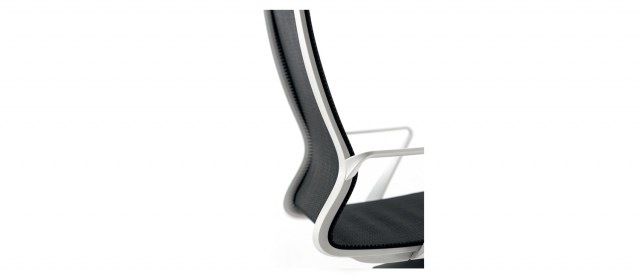 DYNAMICA Executive Chair